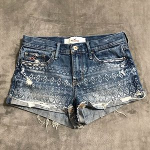 Hollister Patterned Distressed Jean Shorts!